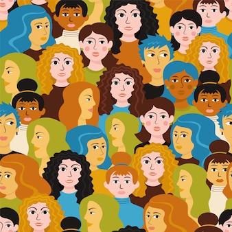 Wzór głowy kobiet. kobieta stoi różne fryzury szczęśliwy uśmiechnięty.