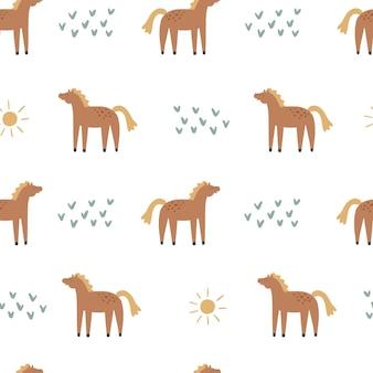 Wzór szwów z końmi. ręcznie rysowane ilustracji wektorowych do projektowania dla dzieci.