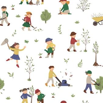 Wzór z dziećmi robi prace w ogrodzie