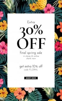 Wzór z egzotycznymi liśćmi palmowymi, kwiatami hibiskusa, ananasami i miejscem na tekst. szablon oferty sprzedaży.