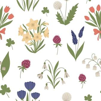 Wzór z słodkie płaskie wiosenne kwiaty. pierwsze kwitnące rośliny w tle. cyfrowy papier kwiatowy.