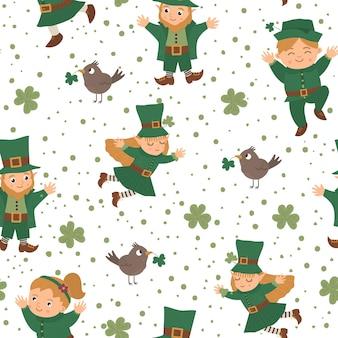 Wzór z symbolami saint patrick day. narodowe święto irlandii powtarzane tło. śliczna śmieszna tekstura z krasnoludkiem i wróżką.