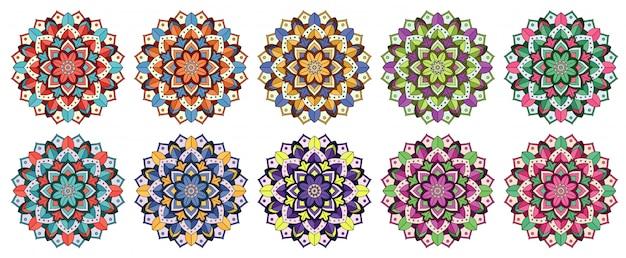 Wzory mandali w różnych kolorach