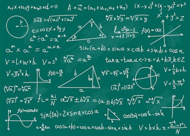 Wzory matematyczne na zielonej tablicy szkolnej. odręcznie napisane w tle równań matematycznych naukowych