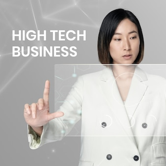 Zaawansowany technologicznie szablon biznesowy z kobietą korzystającą z wirtualnego tła ekranu