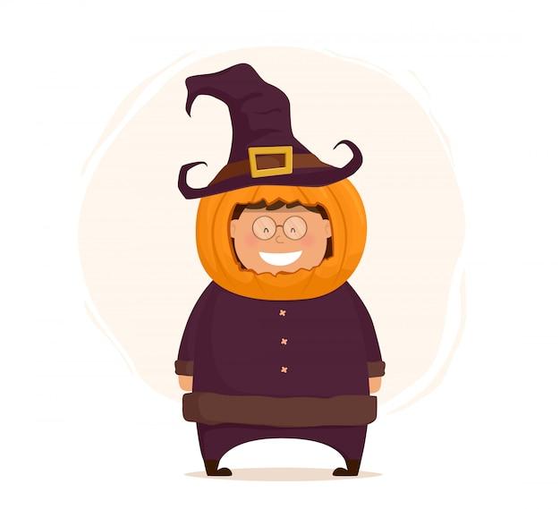 Zabawne postacie na halloween. dziecko w stroju dyni na białym tle