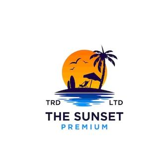 Zachód słońca na plaży wektor ilustracja projektu logo