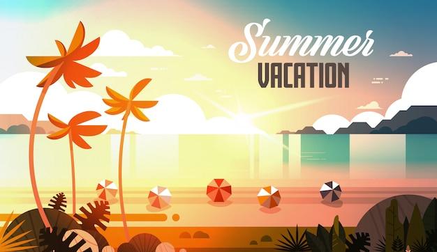 Zachód słońca tropikalne palmy piłki plażowe widok letnie wakacje morze morze ocean napis