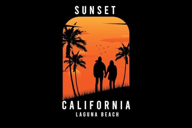 Zachód słońca w lagunie w kalifornii w kolorze pomarańczowym i żółtym