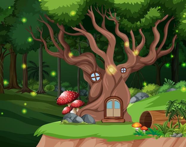 Zaczarowany las w tle z domkiem na drzewie