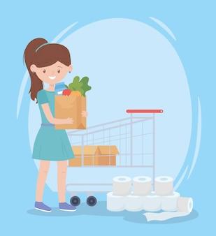 Zadowolony klient z wieloma zakupami nadmiaru papieru toaletowego i torby spożywczej
