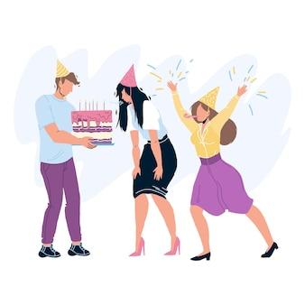 Zadowolony urodziny obchodzi ludzi wektor. urodziny dziewczyna dmuchanie świec na uroczystość ciasto. postacie goście mężczyzna i kobieta gratulujący z rocznicową płaską ilustracją kreskówki