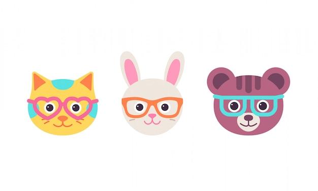 Zając kota, twarze niedźwiedzia w okularach. . ładna głowa zwierzęcia. kreskówka kotek, królik, zestaw znaków niedźwiedź. słodka sylwetka, mieszkanie na białym tle. ikony kolekcji. zabawna ilustracja