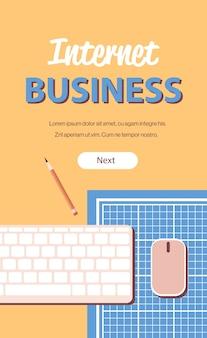 Zakupy online biznes internetowy koncepcja e-commerce biurko w miejscu pracy widok z góry pionowa przestrzeń kopii