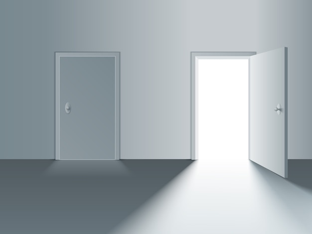 Zamknięte i otwarte białe drzwi