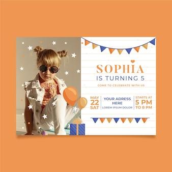 Zaproszenie na urodziny z koncepcją zdjęć