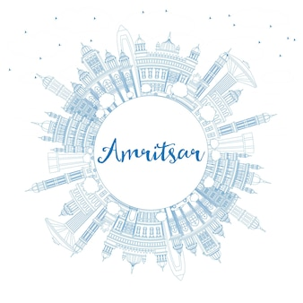 Zarys amritsar indie panoramę miasta z niebieskimi budynkami i miejsca kopiowania. ilustracja wektorowa. podróże służbowe i koncepcja turystyki z zabytkową architekturą. amritsar gród z zabytkami.