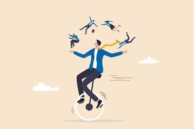 Zarządzanie ludźmi lub hr, zasoby ludzkie, różnorodność lub integracja, koncepcja kariery i rekrutacji, sprytny, umiejętny menedżer biznesmen jeżdżący na rowerach jednokołowych żonglujący członkami zespołu dywersyfikuje ludzi.