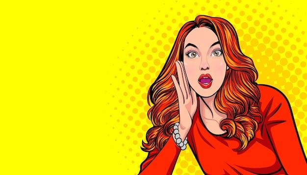 Zaskoczony kobieta otwartymi ustami, podnosząc rękę i rozmawiając w stylu retro pop-artu.