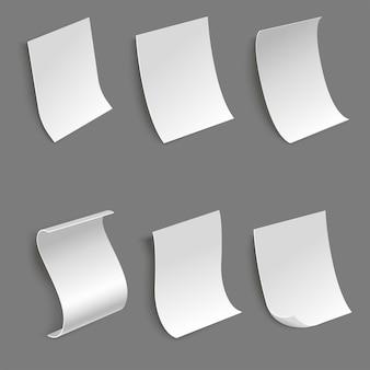 Zbiór kartek papieru w różnych widokach z boku