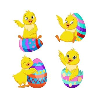 Zbiór kreskówka kurczątko wielkanocne z jajami