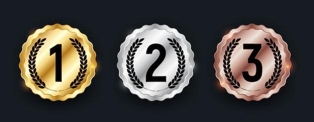Zbiór medali na czarnym tle