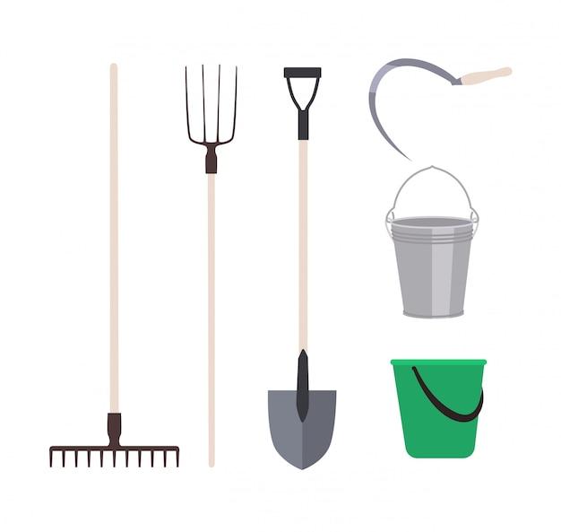 Zbiór narzędzi ogrodniczych lub narzędzi rolniczych na białym tle