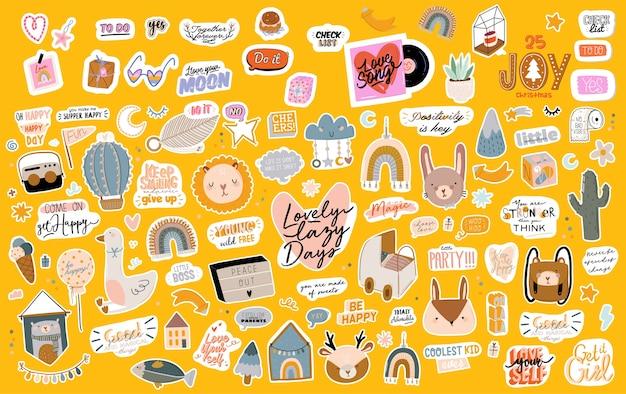 Zbiór odręcznych sloganów lub fraz i ręcznie rysowanych elementów dekoracyjnych w modnym stylu doodle
