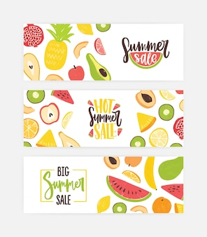 Zbiór poziomych szablonów banerów internetowych z pyszne słodkie egzotyczne organiczne soczyste owoce na białym tle.