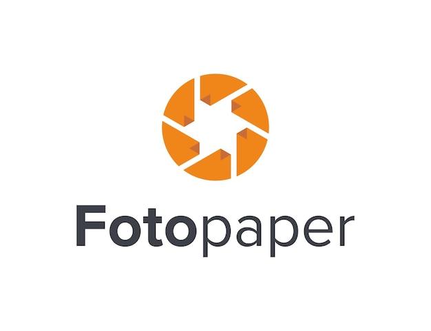 Zdjęcie aparatu z migawką i papier prosty, elegancki, kreatywny, geometryczny, nowoczesny projekt logo