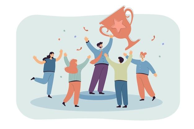 Zespół pracowników małych biurowych ludzi wygrywających płaską ilustrację złoty puchar