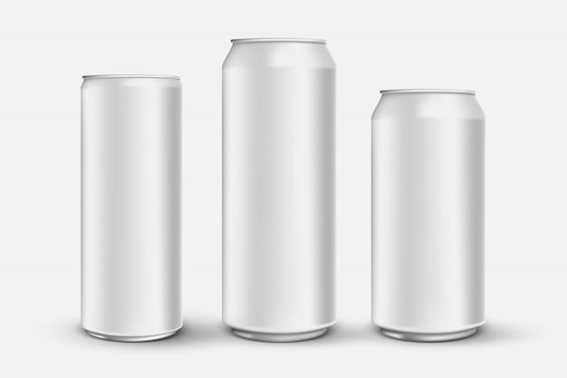 Zestaw 3d realistyczne aluminiowe puszki na białym tle