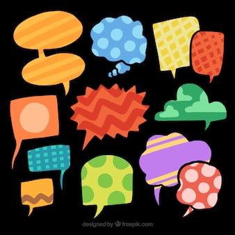 Zestaw abstrakcyjnych pęcherzyków mowy