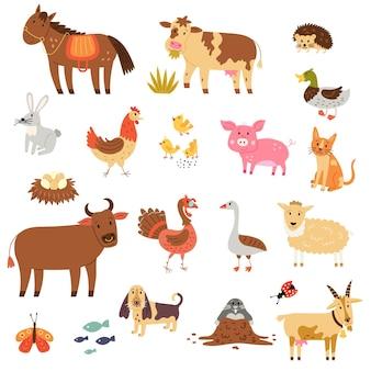Zestaw animowanych zwierząt gospodarskich: koń, krowa, byk, jeż, kaczka, gęś, kurczak, zając, świnia, owca, koza, indyk, pies, kot, kret. wektor ręcznie rysować clipart