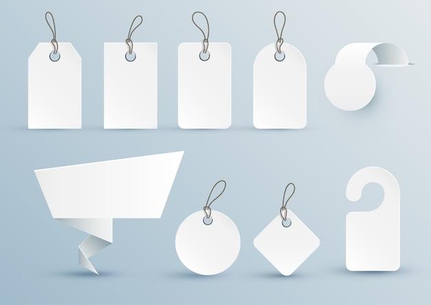 Zestaw białych metek o różnych kształtach z elementami projektu.