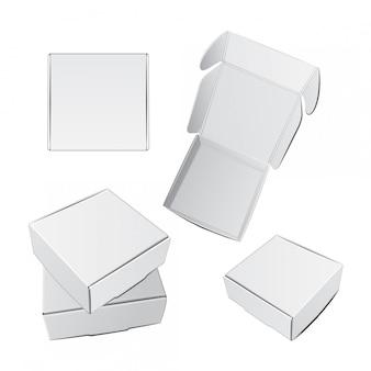 Zestaw białych pudełek kwadratowych.