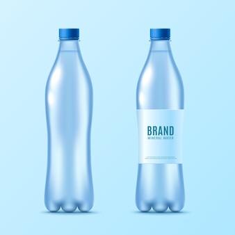Zestaw butelki wody z etykietą realistyczne na białym tle.