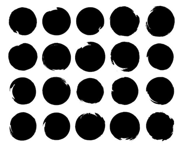 Zestaw czarnej farby, pociągnięcia pędzlem tuszem, pędzle, linie, nieczysty. rozpryski atramentu. okrągłe elementy grunge. brudne banery tekstury. kaligrafia smugi proste, stempel, linie. ilustracja.