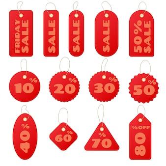 Zestaw czerwonych okrągłych i kwadratowych metek sprzedaży i etykiet na białym tle