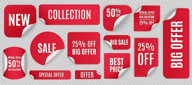 Zestaw czerwonych papierowych naklejek na sprzedaż na białym tle. okrągłe, kwadratowe, prostokątne, skręcone czerwone banery sprzedaż, etykiety, metki.
