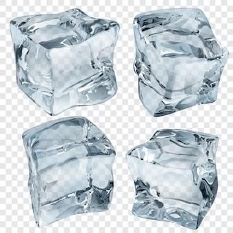 Zestaw czterech przezroczystych kostek lodu w jasnoniebieskich kolorach