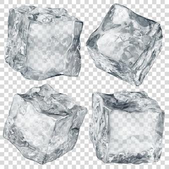 Zestaw czterech realistycznych przezroczystych kostek lodu w kolorze szarym na przezroczystym tle.