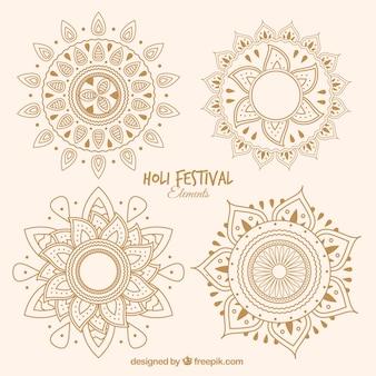 Zestaw czterech ręcznie rysowane mandale