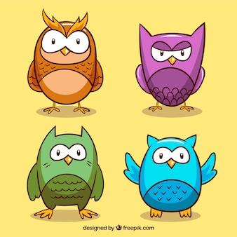 Zestaw czterech rysunkach sowy