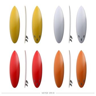 Zestaw deski surfingowe na białym tle