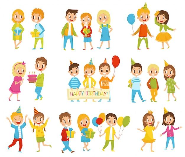 Zestaw dla dzieci z okazji urodzin, chłopcy i dziewczynki świętują urodziny