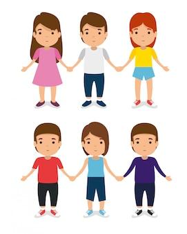 Zestaw dzieci razem z przypadkowymi ubraniami i baw się