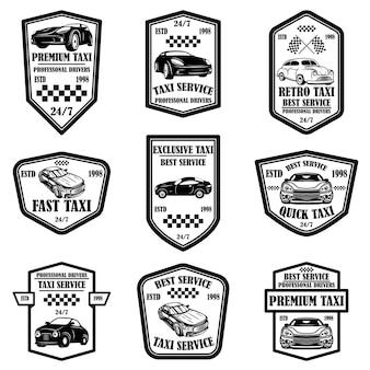 Zestaw emblematów usługi taksówkowe. elementy projektu do logo, etykiety, znaku, plakatu, karty, ulotki. ilustracja wektorowa
