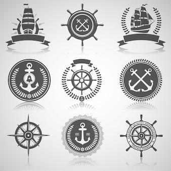 Zestaw emblematów żeglarskich, etykiet i esignaed elementów,