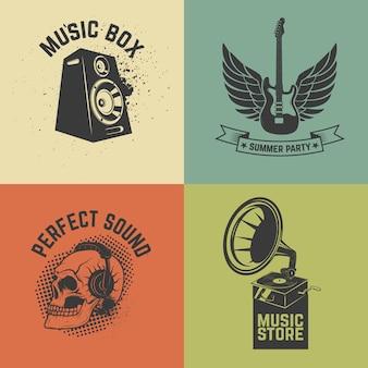 Zestaw etykiet muzycznych na kolorowe tło. ilustracja.